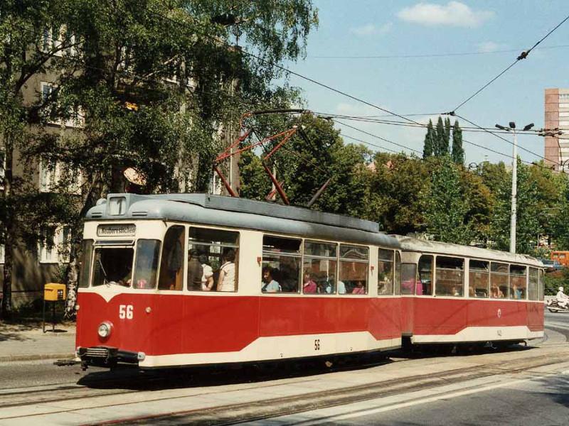 Wagen 56 und 140 in der Bahnhofstraße