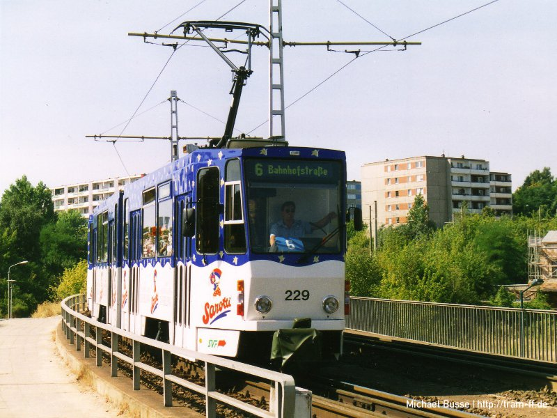 KT4DM-Tw 229 mit Sarotti-Totalreklame