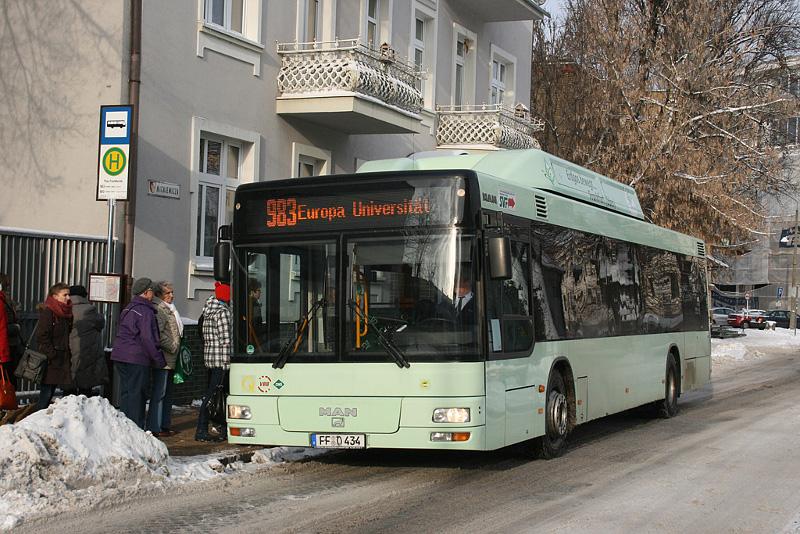 Bus 983 am Plac Frankfurcki