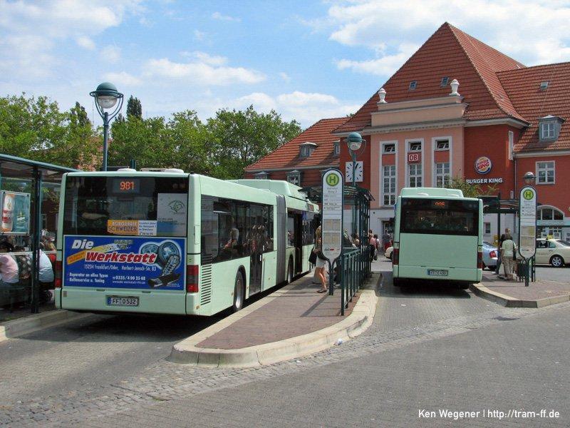 Bussteige am Bahnhof