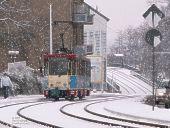 Wagen 205 auf verschneiter Trasse