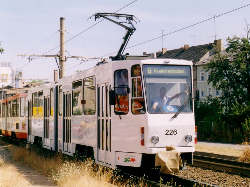 Wagen 226 in Heck-an-Heck-Traktion
