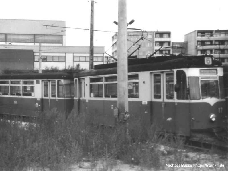 Tw 17 + Bw 134 im Gleisdreieck Dimitroffallee